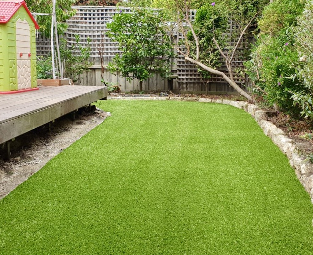 artificial grass in dubai
